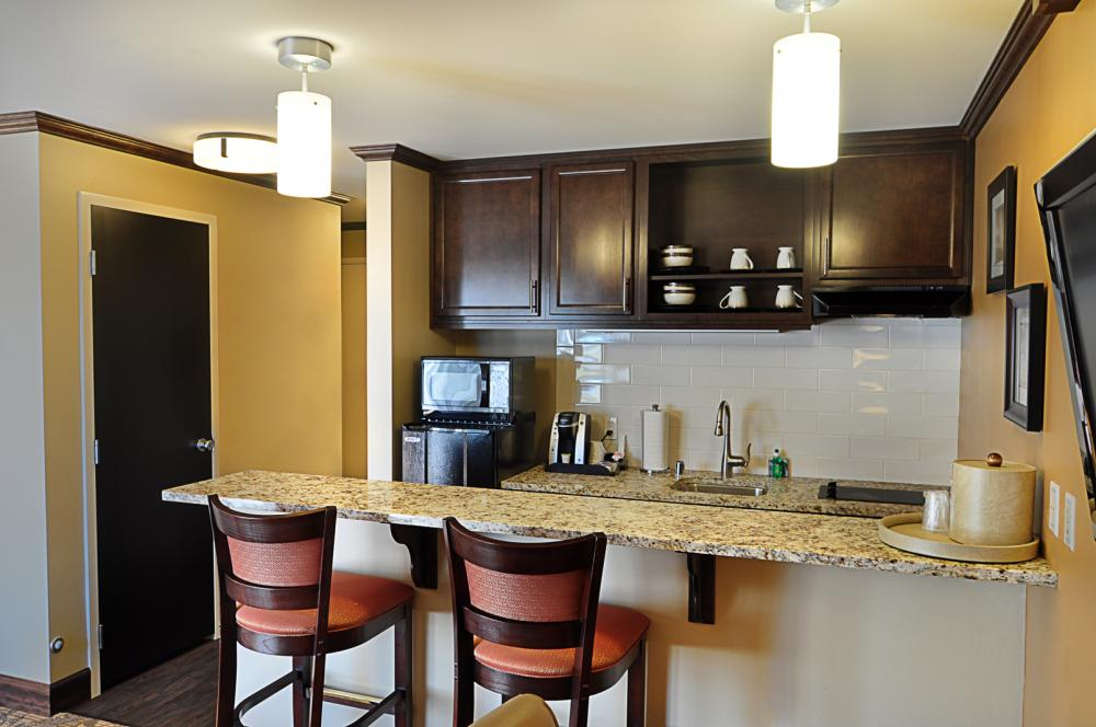 navy gateway inns and suites combines all the comforts of a hotel ...