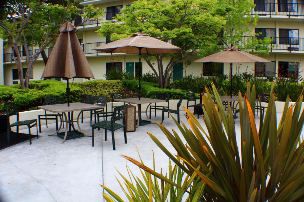 Navy Hotels for TDY and Leisure Lodging -- Navy Gateway Inns & Suites